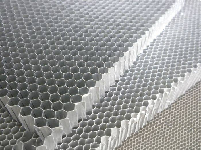 铝蜂窝板复合材料的优点体现在哪几个方面?